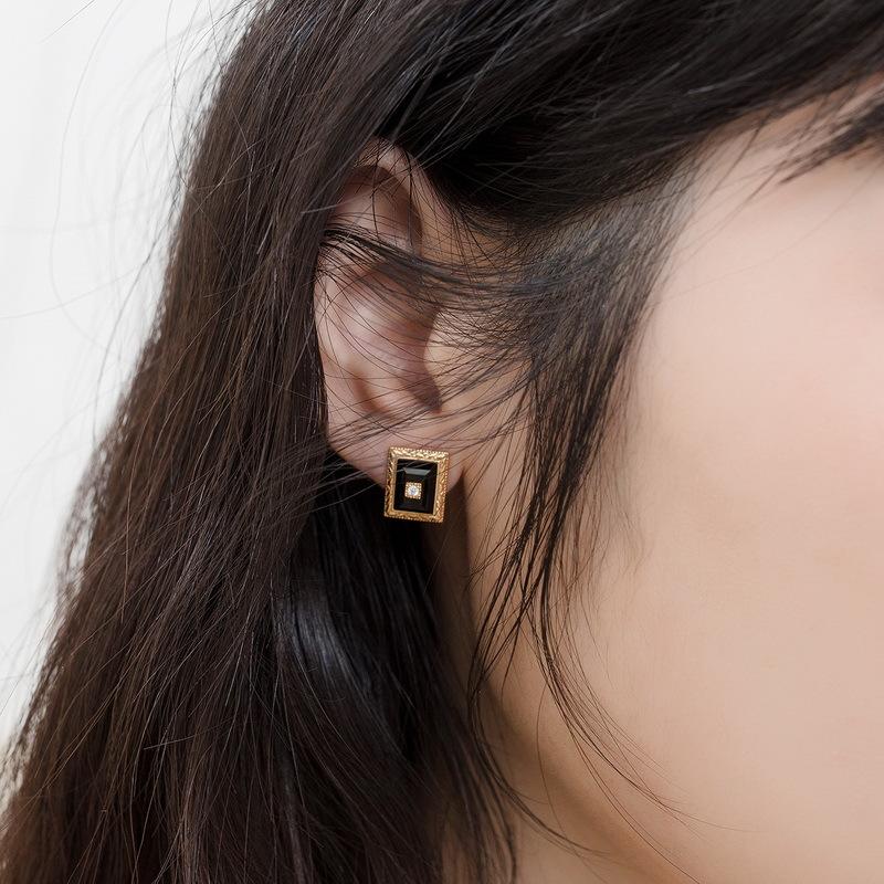 Vintage onyx sterling silver stud earrings
