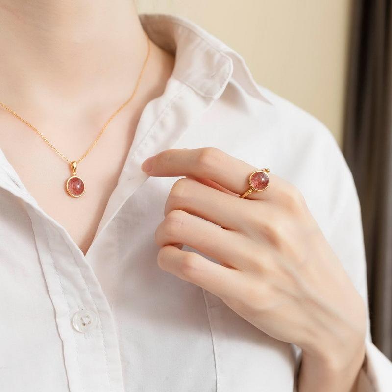 Round strawberry quartz sterling silver ring