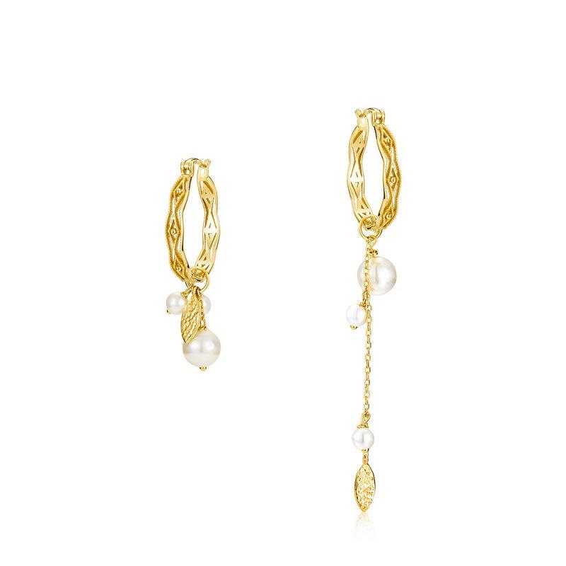 asymmetric huggie earrings