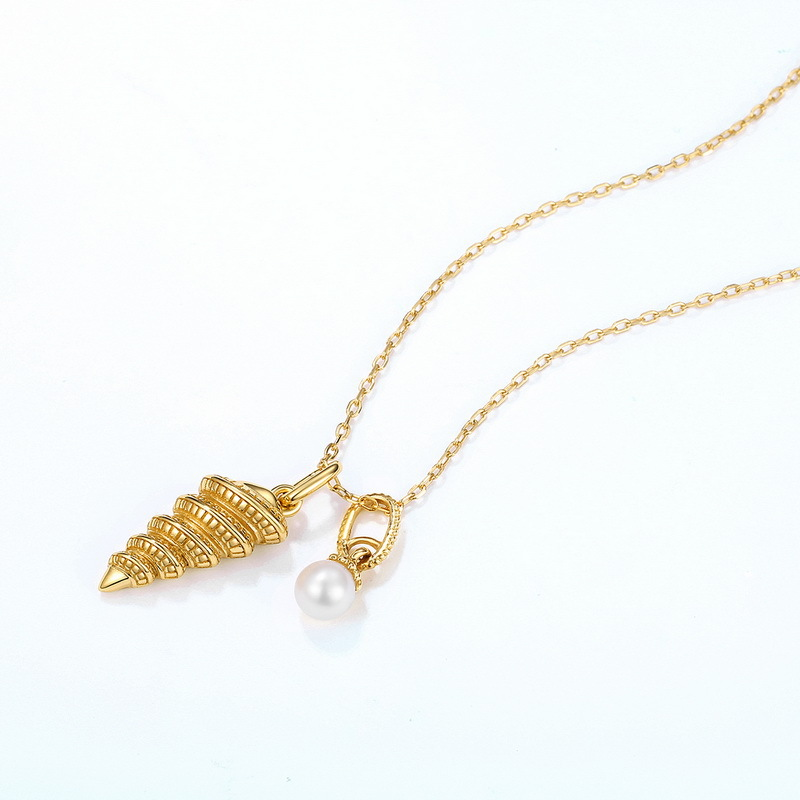 Conch sterling silver necklace in 9K gold vermeil